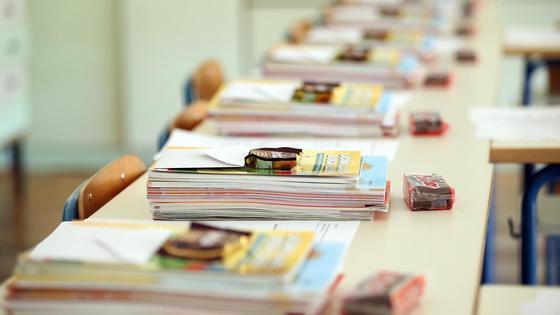 Svim učenicima Osnovne škole Darda osigurane besplatne radne bilježnice, radni materijal za tehnički, likovne mape..